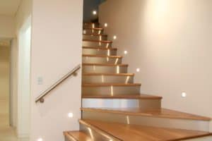 Contemporary profile cut staircase - Stairs by Design